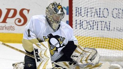 The Penguins are trying to re-sign restricted free agent goaltender John Curry.