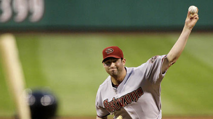 Diamondbacks pitcher Doug Davis throws in the sixth inning.
