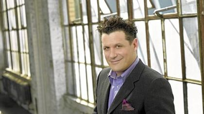 "Isaac Mizrahi puts would-be designers to the test on ""The Fashion Show."""