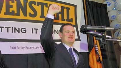 Mayor Luke Ravenstahl thanks his supporters after winning last night's Democratic primary.