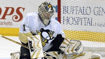 Goaltender John Curry re-signed with the Penguins.