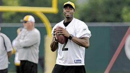 Quarterback Dennis Dixon won't play tomorrow because of his injured shoulder, but he did toss the ball around yesterday at practice. The Steelers play their third preseason game against Buffalo at Heinz Field.
