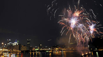 July 4 fireworks across the skyline of Pittsburgh last night.