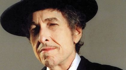 Bob Dylan now knows what it's like being a complete unknown.