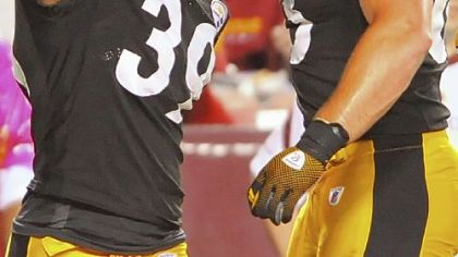 Willie Parker celebrates his first-half touchdown with Heath Miller.