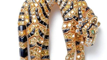 A tiger clip yellow diamond brooch sold to Barbara Hutton in 1957.