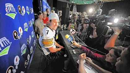 Quarterback Ben Roethlisberger jokes with reporters during the final media day at the University of South Florida in Tampa, Fla.