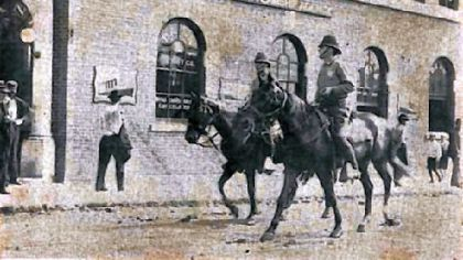 Pressed Steel Car strike, McKees Rocks, 1909. Troopers patrolling streets.