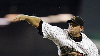 Astros pitcher Brian Moehler throws against the Pirates during the first inning of last night&#039;s game.
