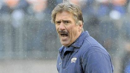 Dave Wannstedt pleads his case with the referees late in yesterday's game at Heinz Field.