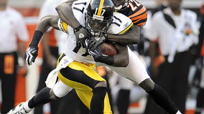 Steelers wide receiver Mike Wallace caught seven passes for 102 yards Sunday in Cincinnati.