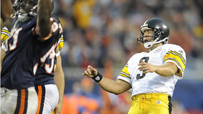 Jeff Reed reacts as he misses his second field goal of the game against the Bears.