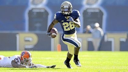 Running back Dion Lewis leads Pitt against Notre Dame Saturday.