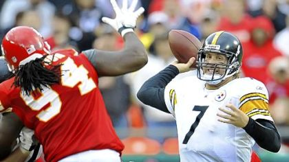 Steelers quarterback Ben Roethlisberger is expected to play the Raiders Sunday.